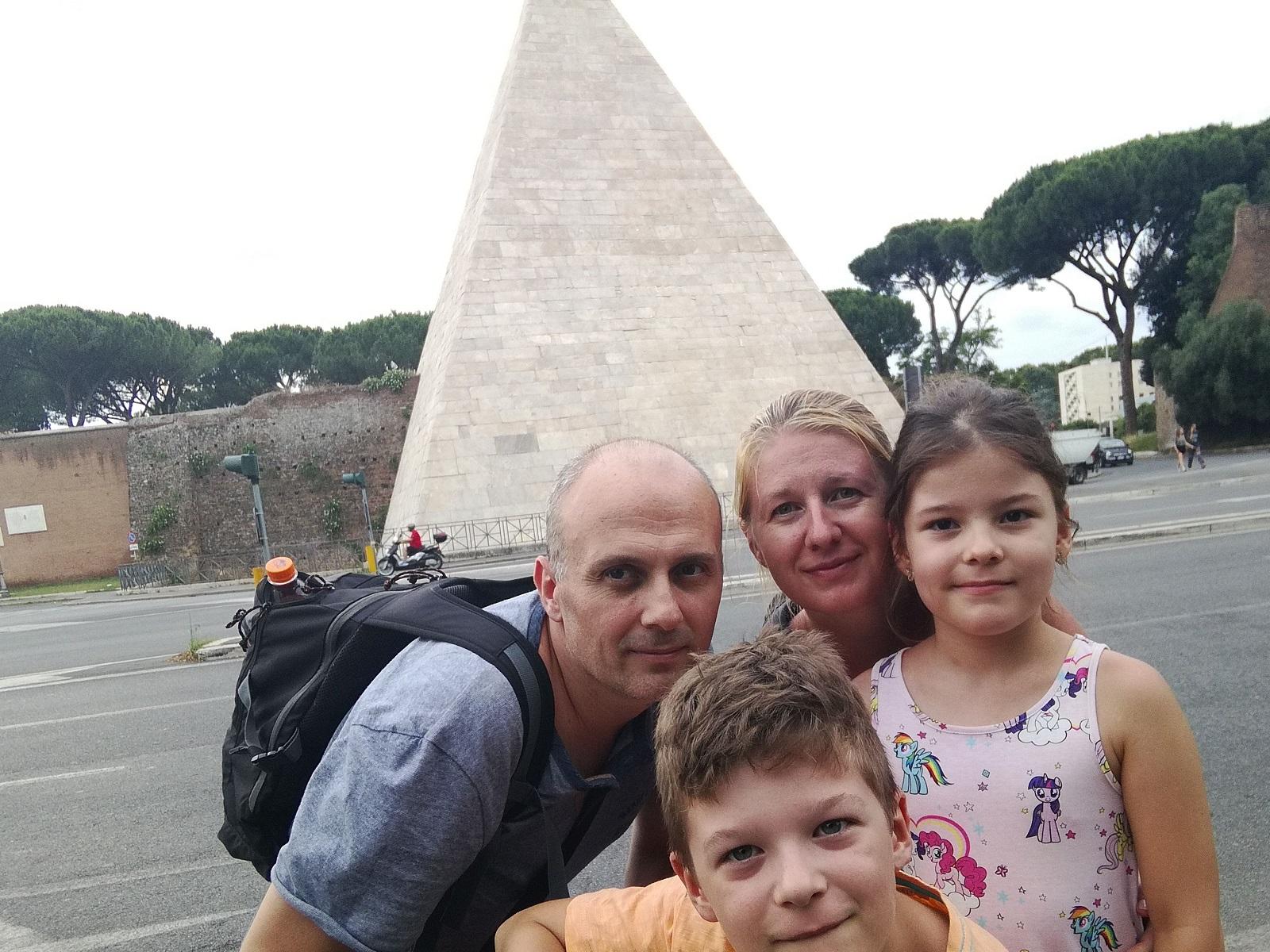 Piramida - Roma